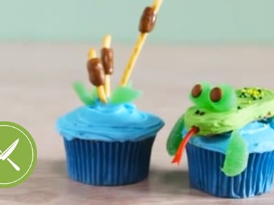 Frog and Cattails Cupcakes | Creative Cupcaking