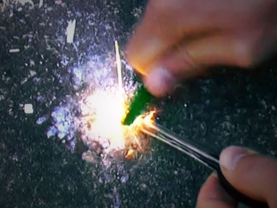 How to Use a Magnesium.Flint Fire-starter