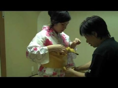 Learning How to Put On a Yukata