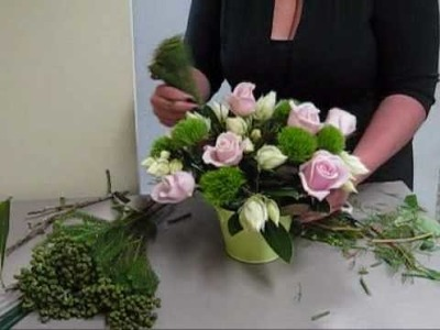 How to create a stunning flower arrangement.