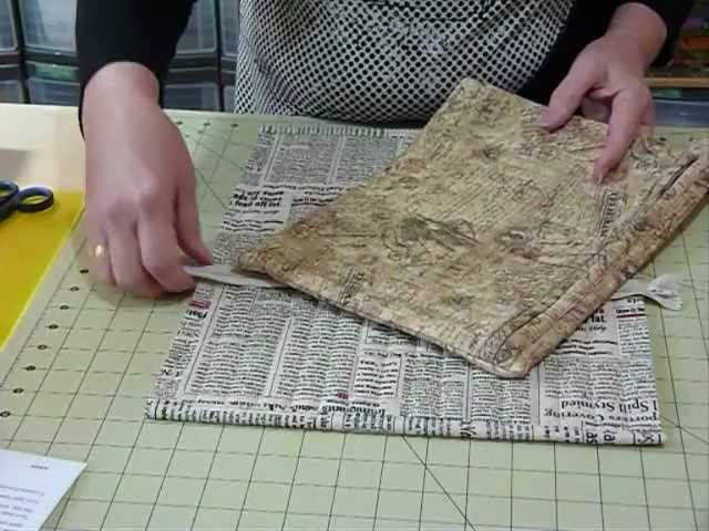 How to make a Flat Bag with a Zipper closure - Quilting Tips & Techniques 091