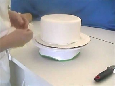 How To Cover A Cake With Fondant--Two Methods