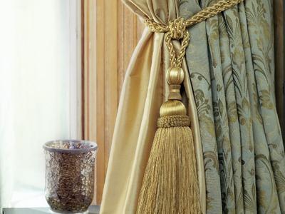 How to tie a Curtain TieBack having Tassels