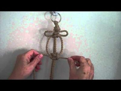 Making a Square Knot Picot from MacrameForFun.com