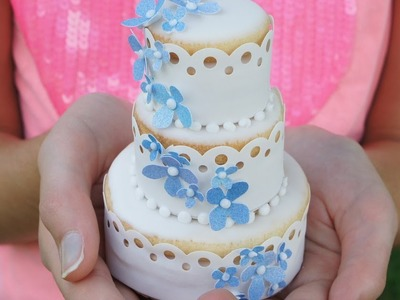 Cookie decorating - 3D tiered wedding cake