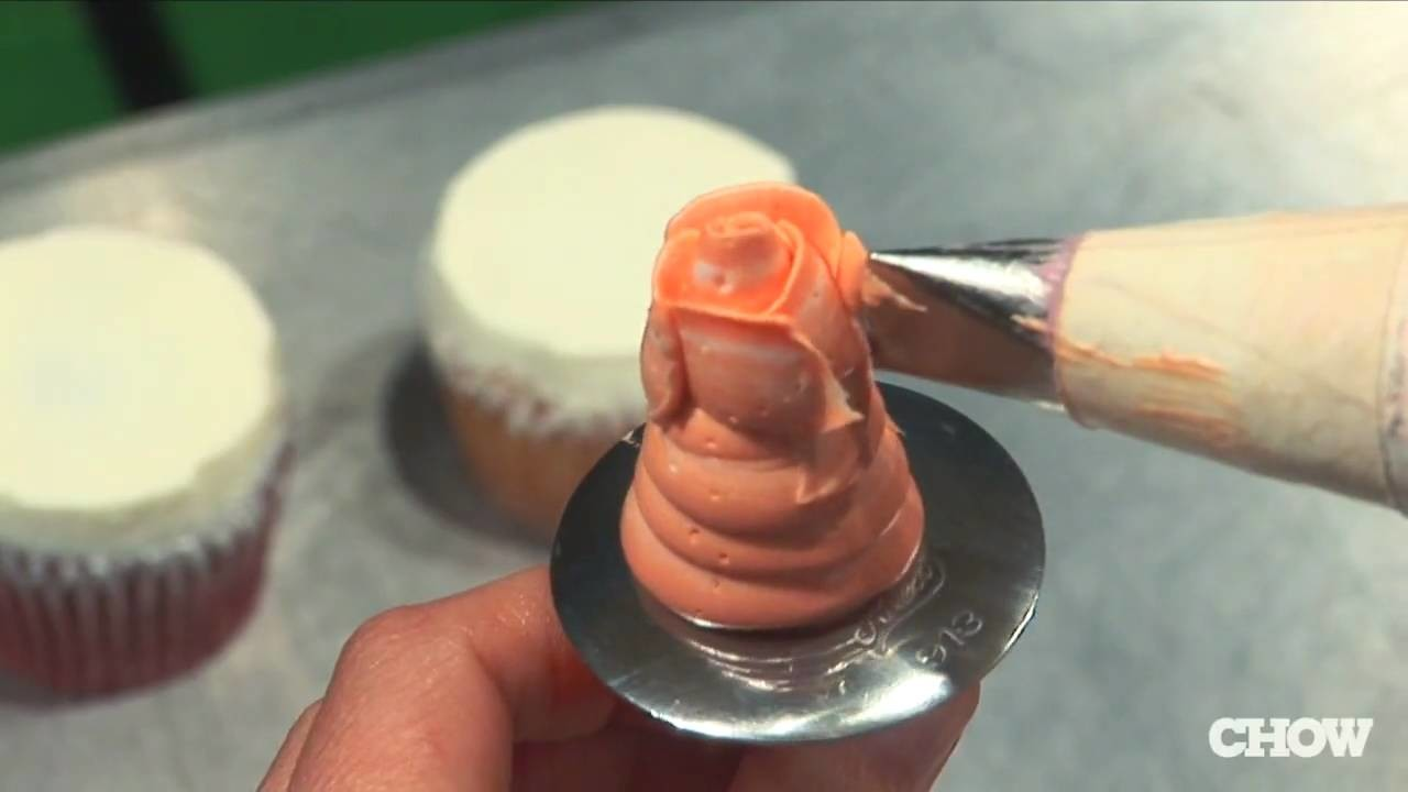 How to Make a Buttercream Rose - CHOW Tip