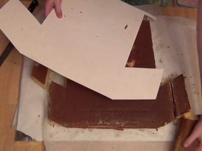 How to Make a T-shirt Shaped Cake