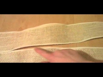 How to make an easy burlap table runner