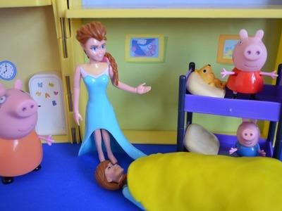 Frozen Elsa Anna Sleepover Peppa Pig play-doh Blankets Mammy pig Frozen toys