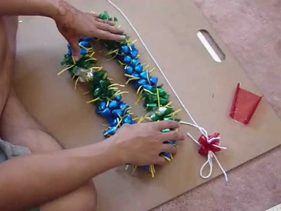 "How to make a ""3D"" candy Lei w. Kisses"