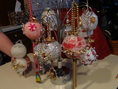 HOW TO MAKE HEIRLOOM CHRISTMAS ORNAMENTS WITH  JEWELRY