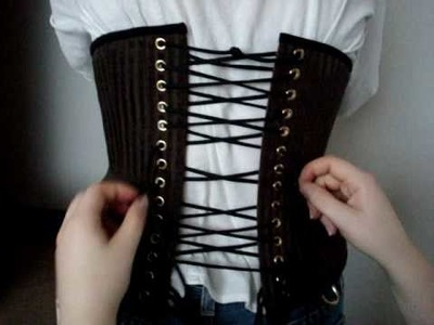 Scoundrelle's Keep - How to tighten your corset
