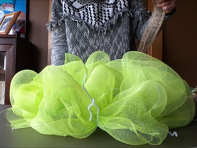 How to Make Your Own Poly Mesh Wreath