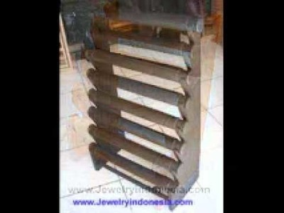 Jewelry Displays in Wood from Bali Indonesia