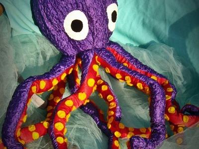 Wa'Ou #3 a chaotic improvisation, in making a stuffed Octopus