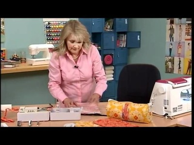 306-1 Pam Hasting combines form and function for a barrel bag on It's Sew Easy