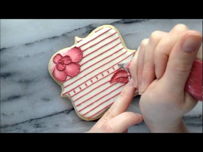 Brush Embroidery and Lace Using Royal Icing on a Sugar Cookie