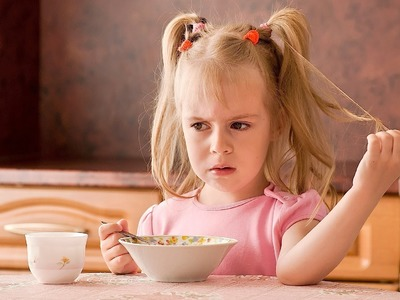 Common Childhood Eating Issues | Child Development