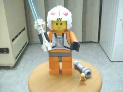 Papercraft LEGO Star Wars rebel pilot Luke Skywalker