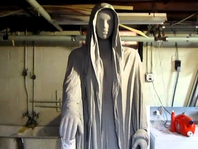Creepy Halloween Graveyard Statue