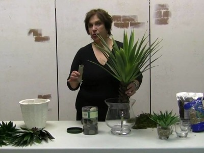 How To Make A Desert Agave Floral In A Glass Vase