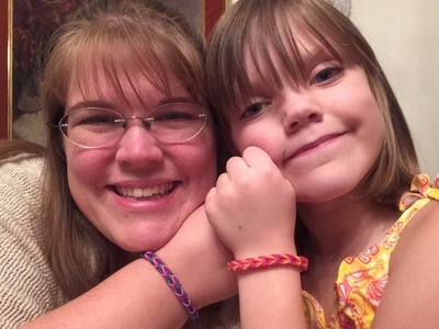 Rainbow Loom: How to make easy Fishtail Bracelet by 7 year old