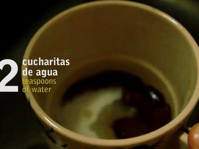 Cómo preparar un café con leche batido. How to make a coffee milk shake