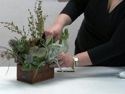 How To Make A Natural Floral Arrangement In A Cigar Box