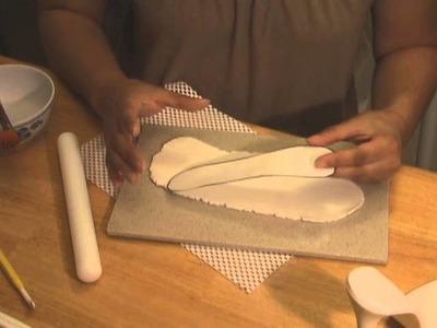 Making a Shoe in Gumpaste