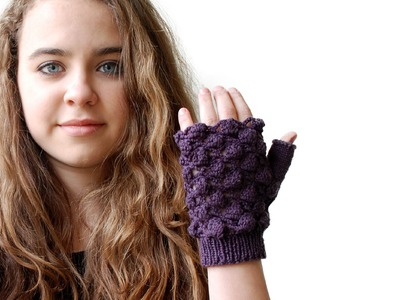 PINEAPPLE STITCH FINGERLESS GLOVES   An original design & stitch combination by the Casting On Couch