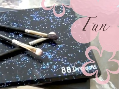 DIY: MeiIris' Add Glitters to Your Makeup Palette Cover