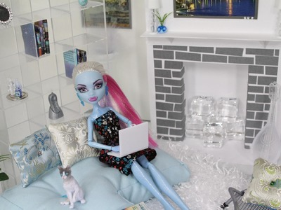 Doll Room Tour : Abbey Bominable