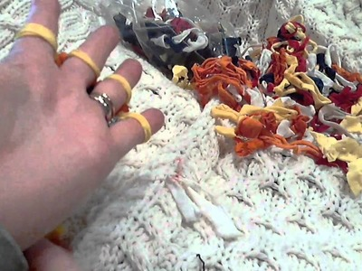 Knitting with potholder loops on fingers updated