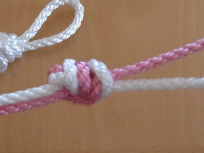 How do I knot an Overhand Knot?