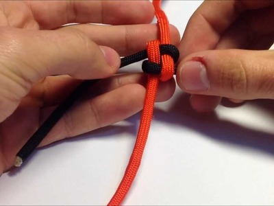 How to tie. make  a paracord box. square knot lanyard