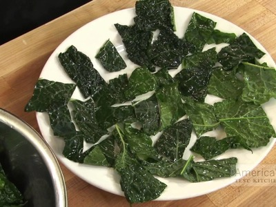 Super Quick Video Tips: How to Make Kale Chips in the Microwave