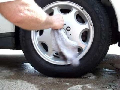 Wheel cleaning with Optimum No Rinse Wash