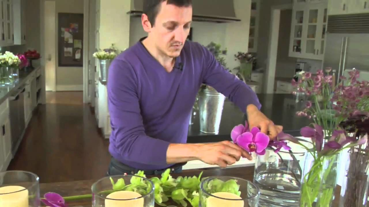 How to Create a Holiday Centerpiece with Flowers | Pottery Barn
