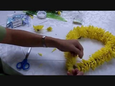 How to make a Hawaiian Lei