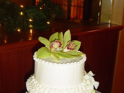 Stack and Decorate a Simple Wedding Cake