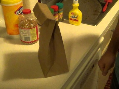 Feeding Fitness: Healthy brown paper bag popcorn.