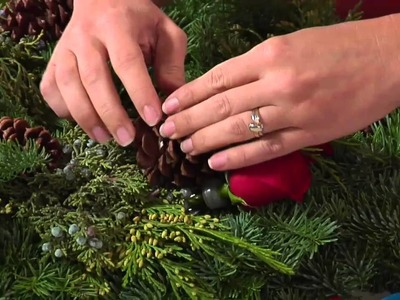 Fresh & Simple Christmas Wreaths from H-E-B Floral