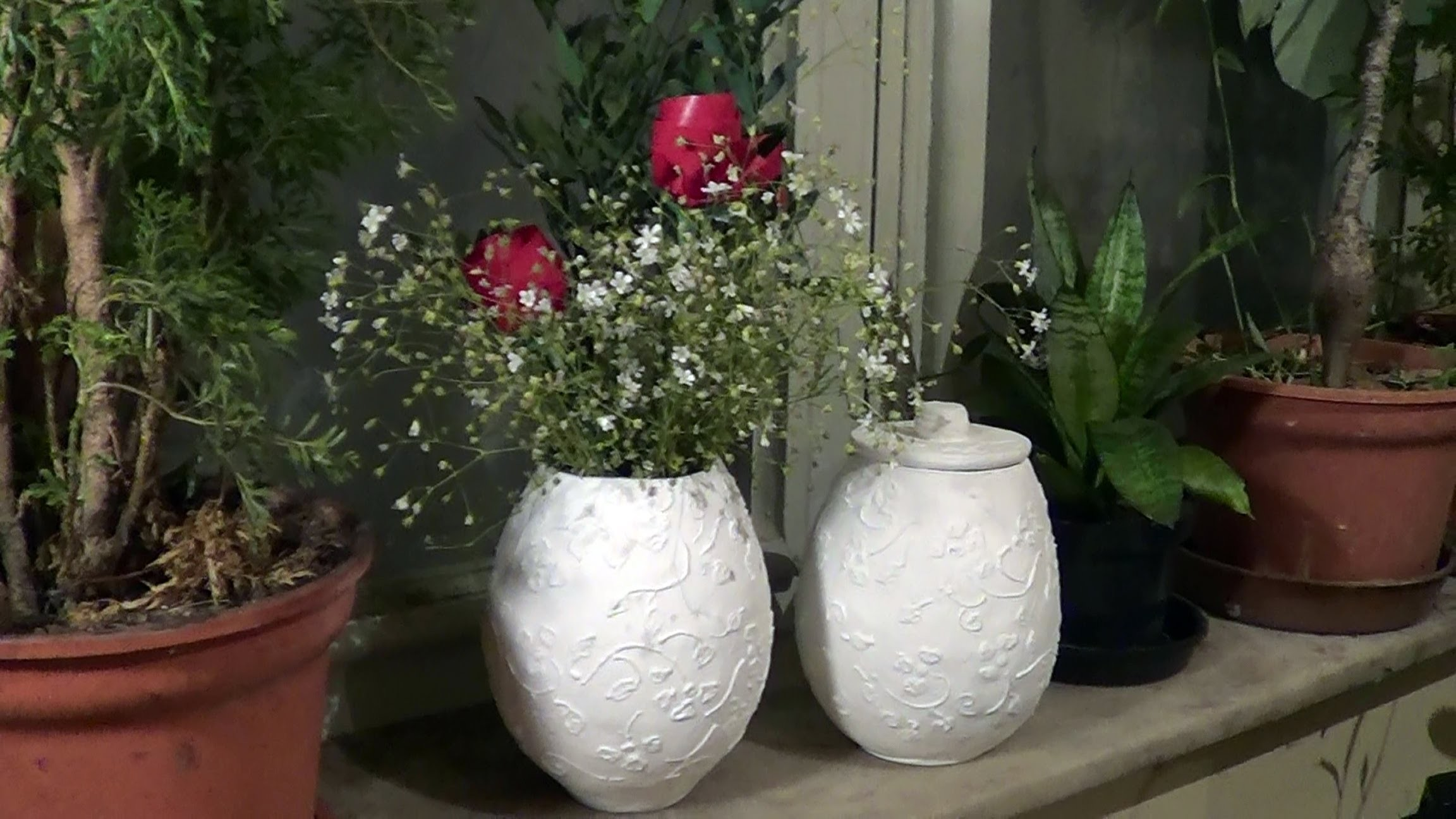 Vasos e potes de jornal (Vases and pots from newspaper) - Part 1