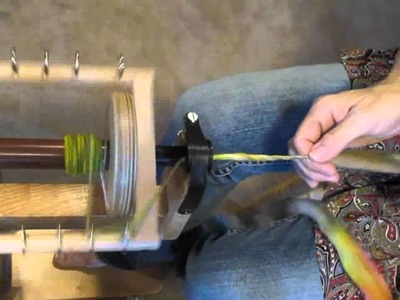 How to  hand spin thick and thin yarn Part I
