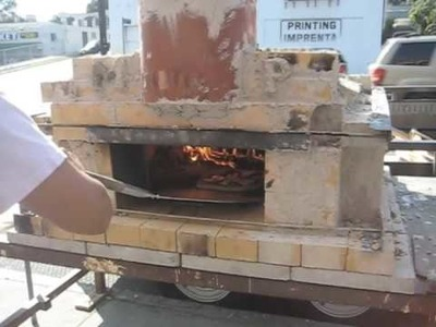 How to make and cook with a brick-oven pizza