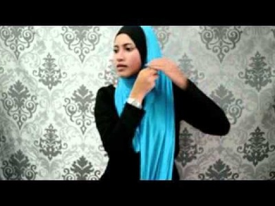 Cara pakai shawl ala arab.wmv