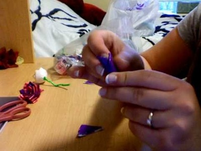 EASY CHEAP GIFT IDEA FOR YOUR LOVE- DUCT TAPE ROSES