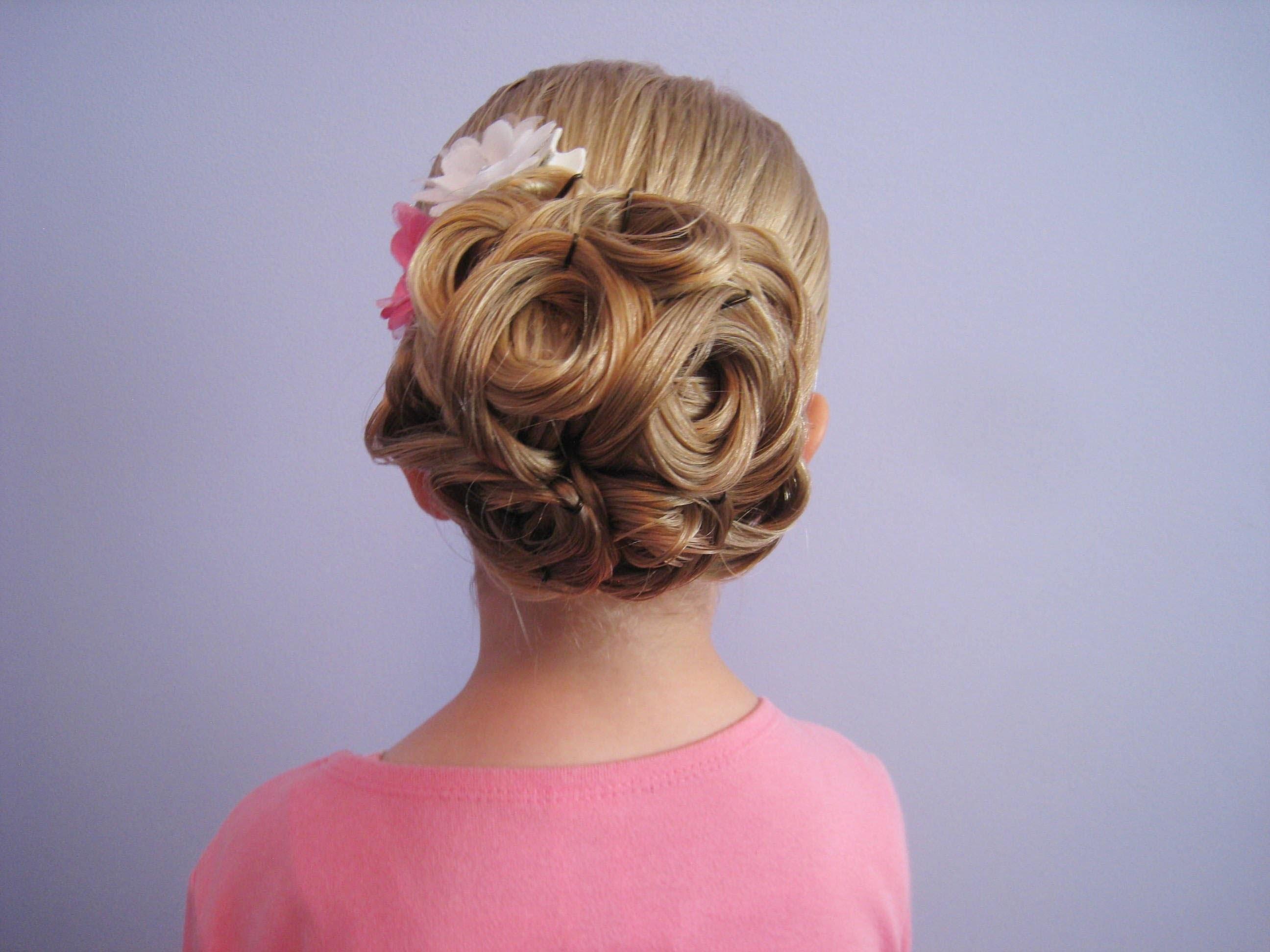 Прическа на выпускной 4 класс на средние волосы фото