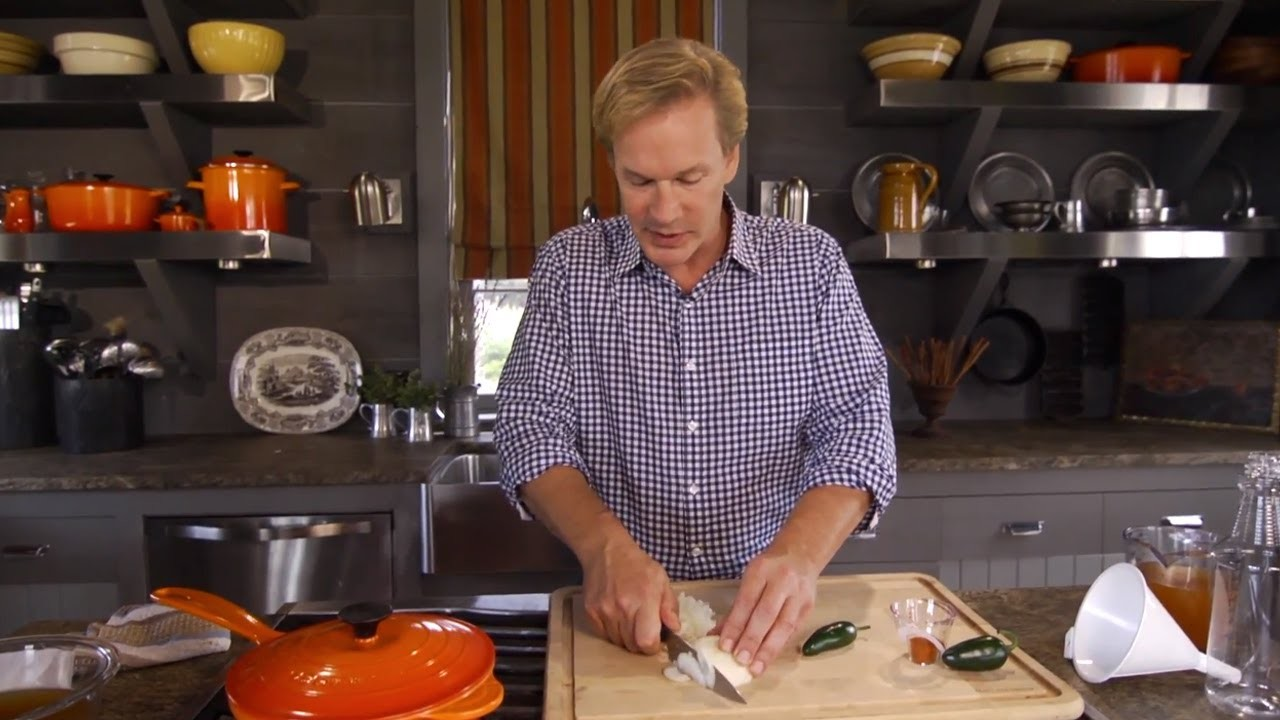 How to Make All-Natural Pest Repellent | At Home With P. Allen Smith