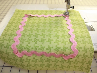 How to Sew Ric Rac to a Quilt or Fabric by Jill Finley of Jillily Studio - Fat Quarter Shop